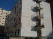 Tratamientos en los aproximados 80 metros de fachada, con fijadores y especial atencios a las escaleras