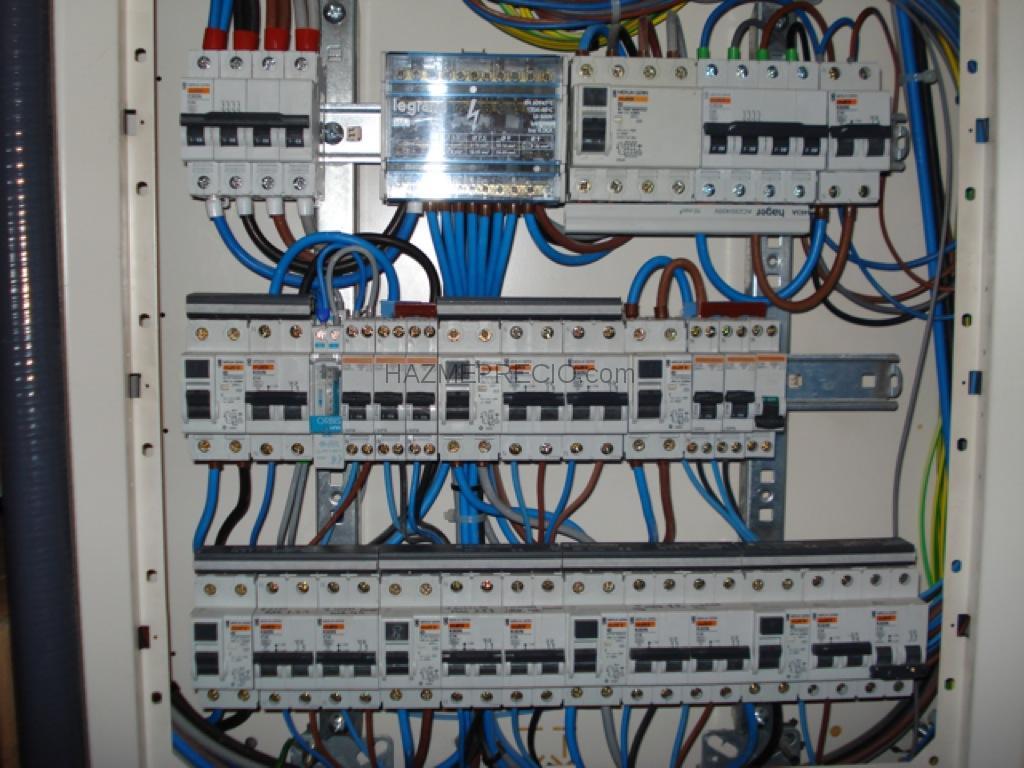 Montajes electricos c q 28500 arganda del rey madrid - Cuadro electrico domestico ...