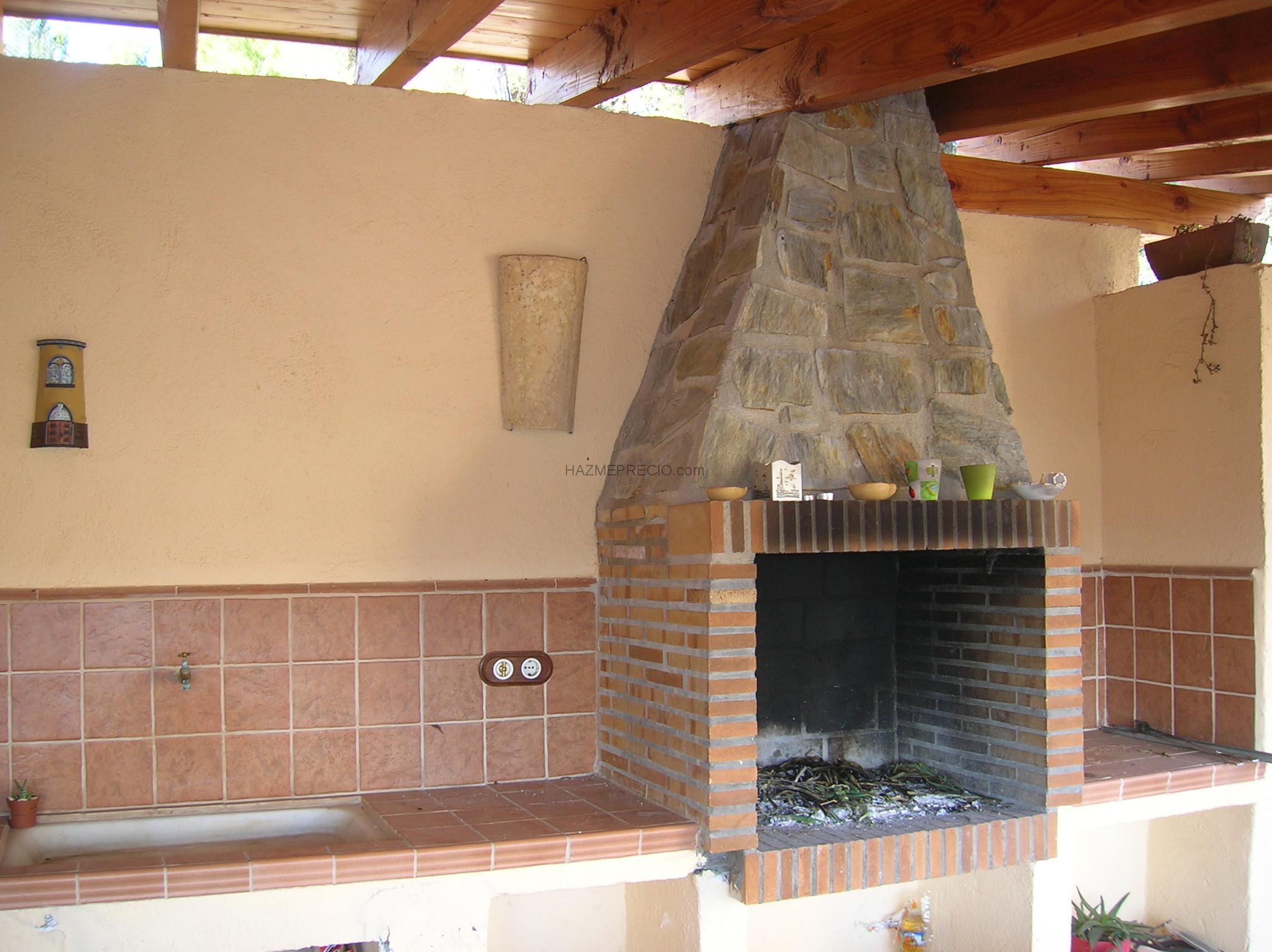 Construcciones boladeres 08212 sant lloren savall barcelona - Barbacoas rusticas ladrillo ...