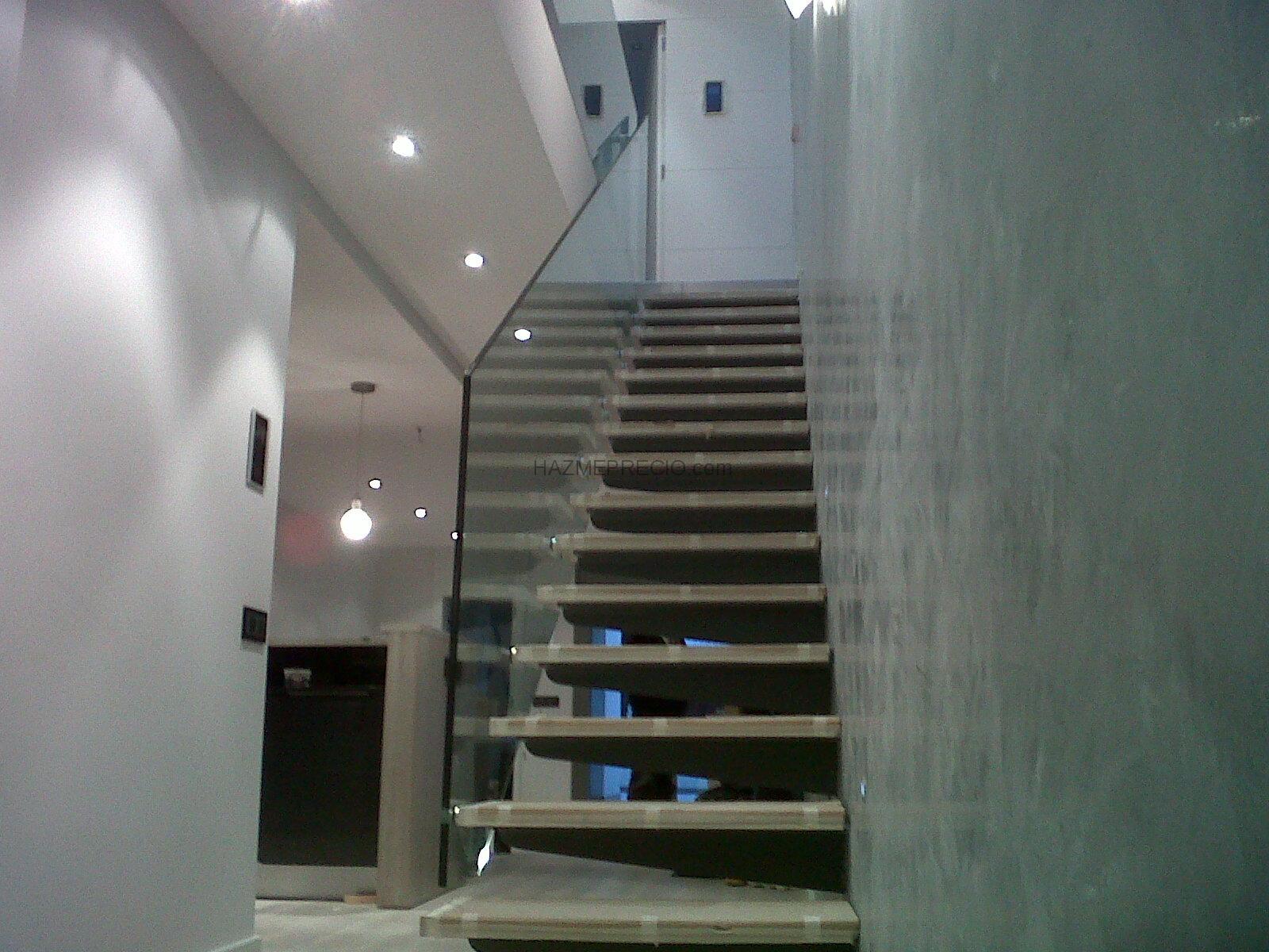 Presupuesto para baranda para escalera interior montgai for Escalera interior barata