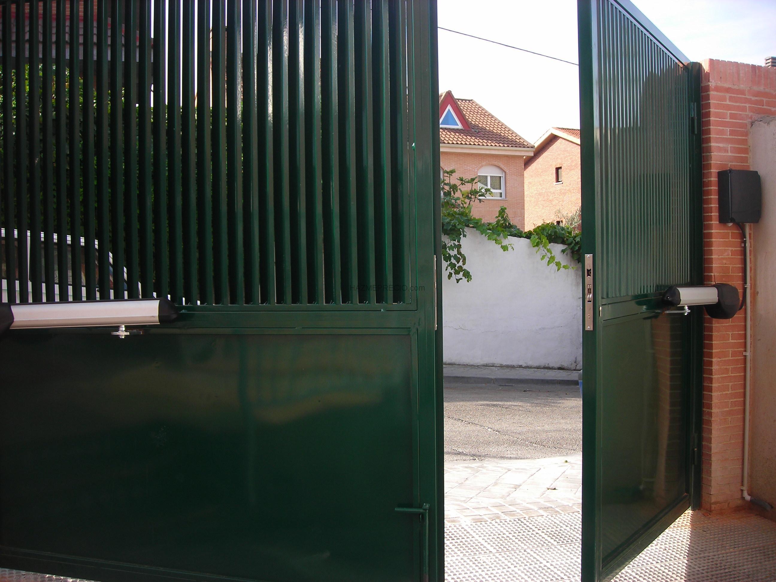 Empresas de puertas metalicas en madrid - Puertas abatibles garaje ...