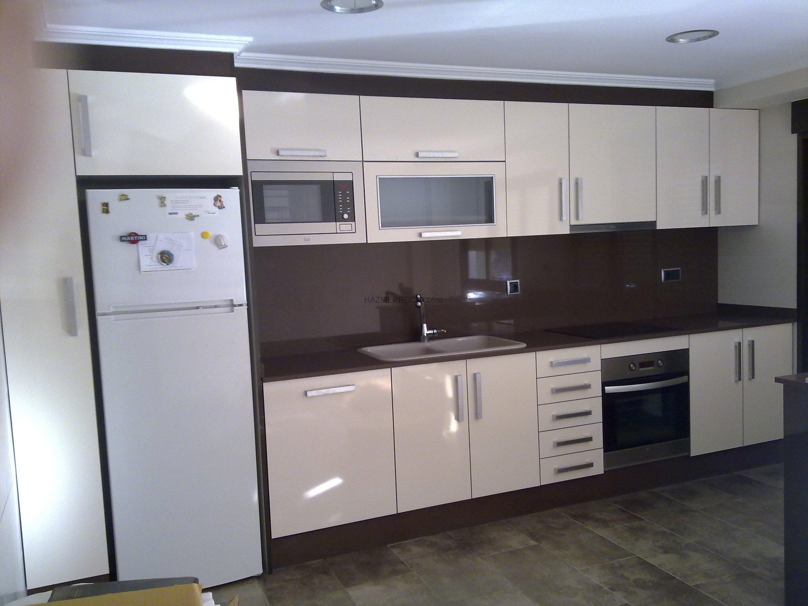 Presupuesto para hacer armario empotrado en entrada de - Cocinas en valencia ...