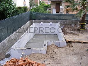 Construcciones y reformas santi galofre 43830 for Construccion piscinas hormigon