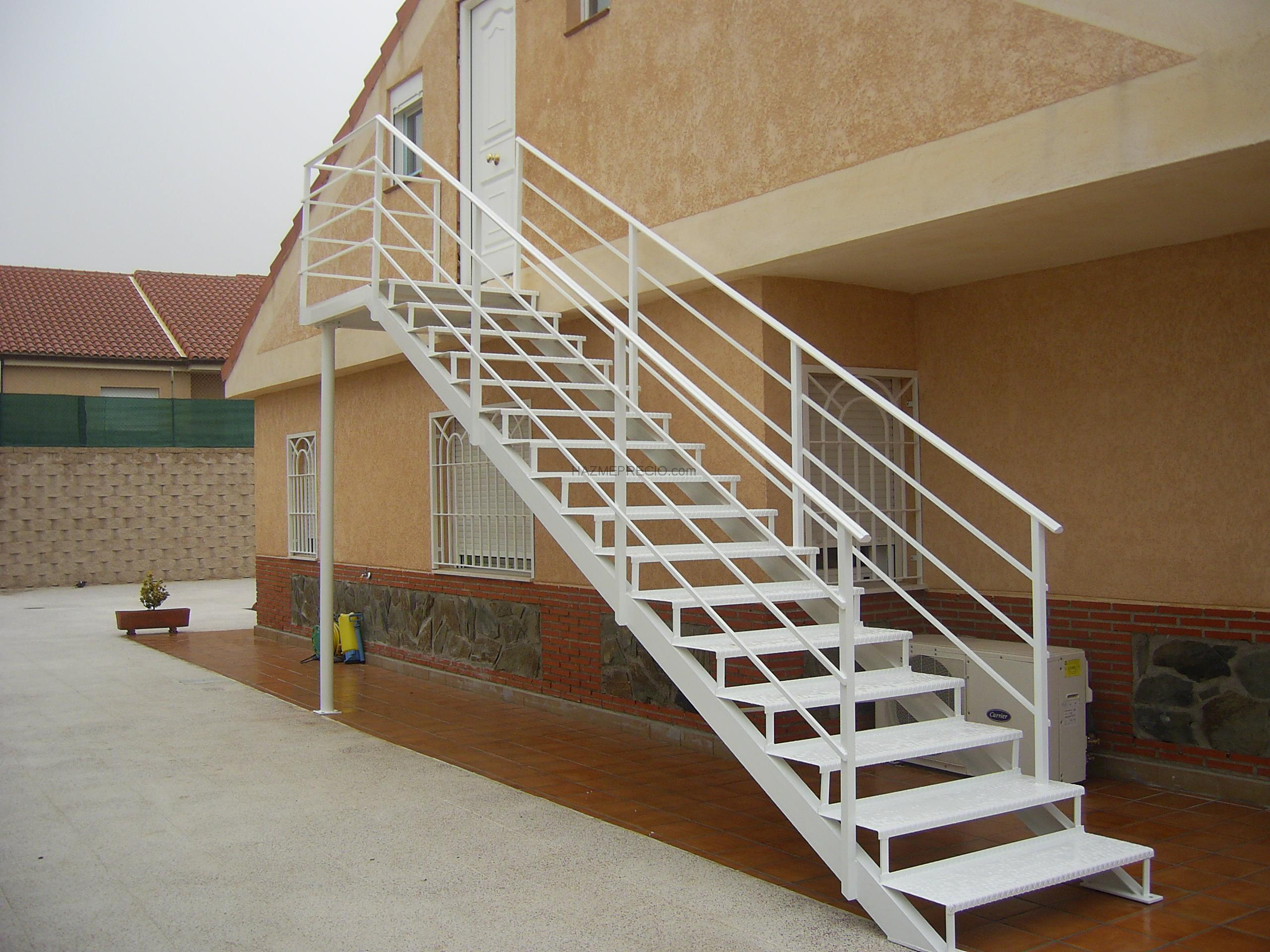 Empresas de cerramientos metalicos en madrid for Escaleras de exterior