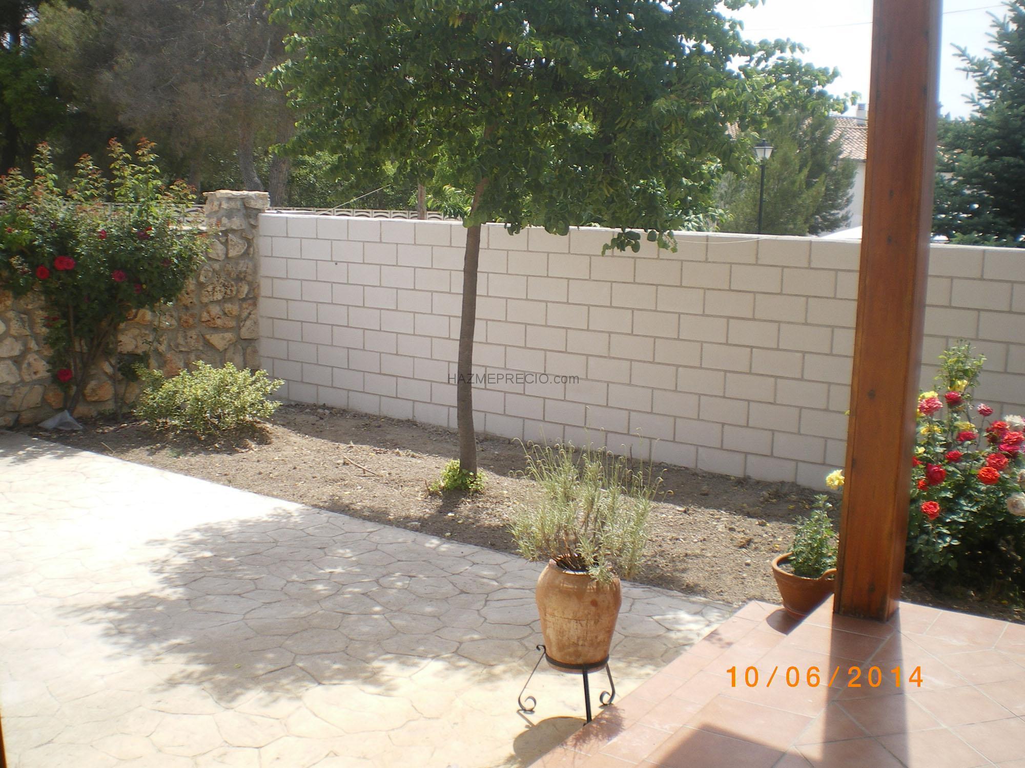 Presupuesto para cerrar una parcela con valla de simple - Muro de bloques ...