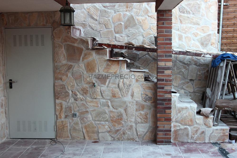 Chapado paredes con piedra natural.