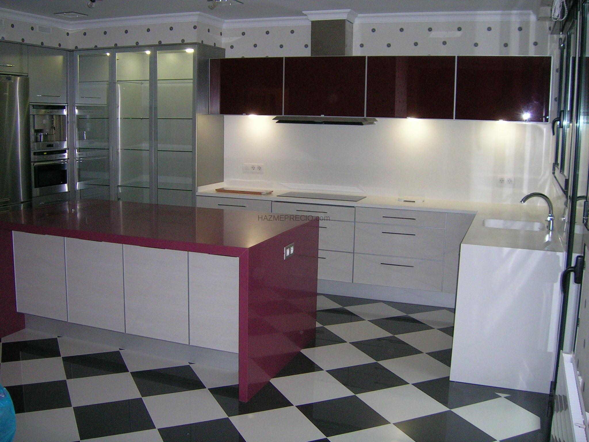Reforma integral de vivienda en el municipio de getxo for Encimera gres porcelanico