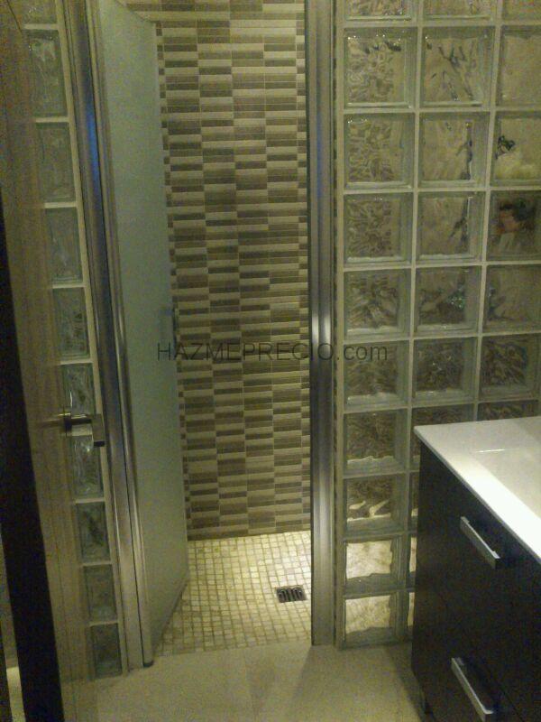 Baño Reformado Ducha:BAÑO REFORMADO TOTALMENTE, EN LA ZONA DE DUCHA SE OPTA POR COLOCAR UN