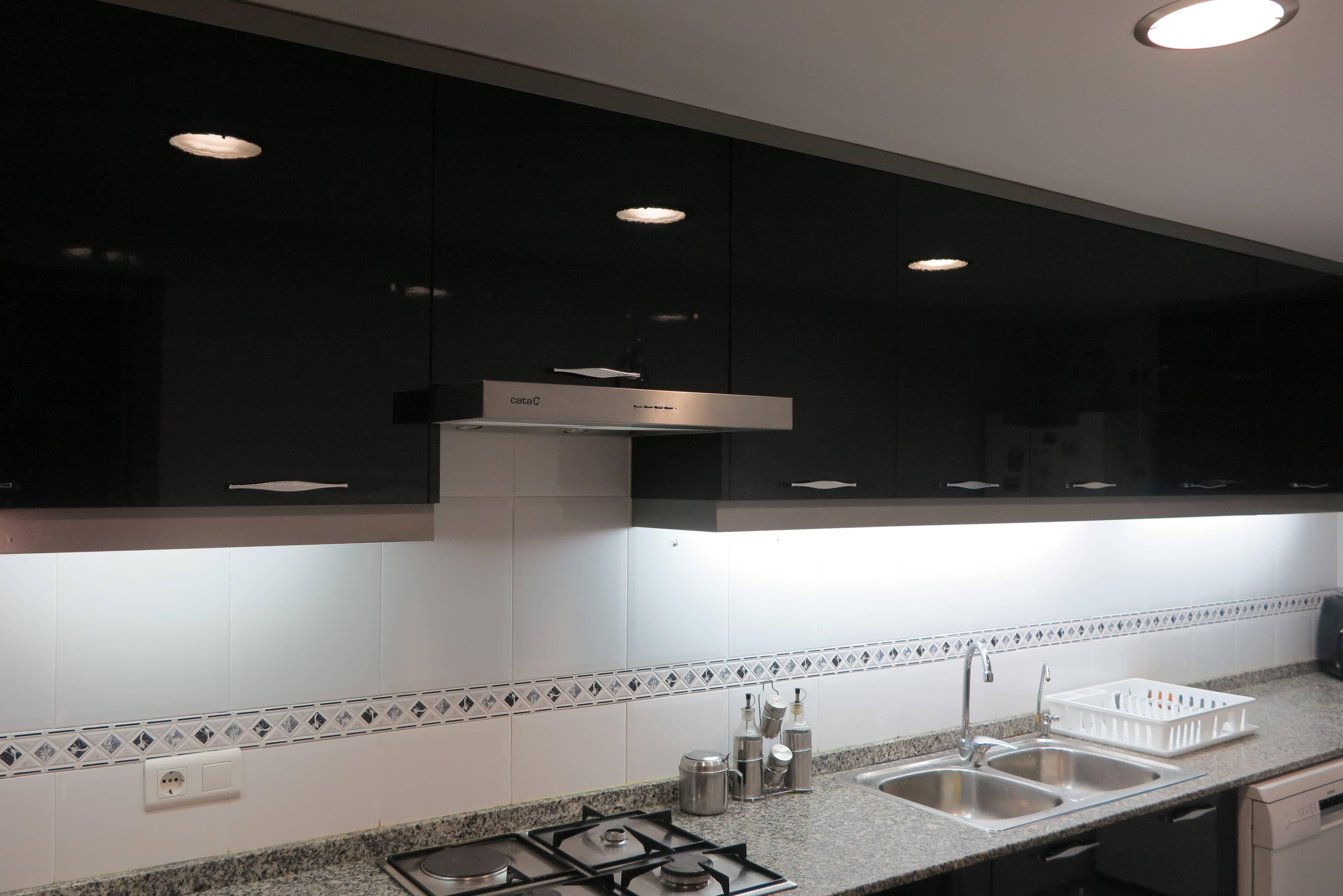 Cambiar puertas muebles de cocina quart de poblet for Cambiar puertas muebles cocina