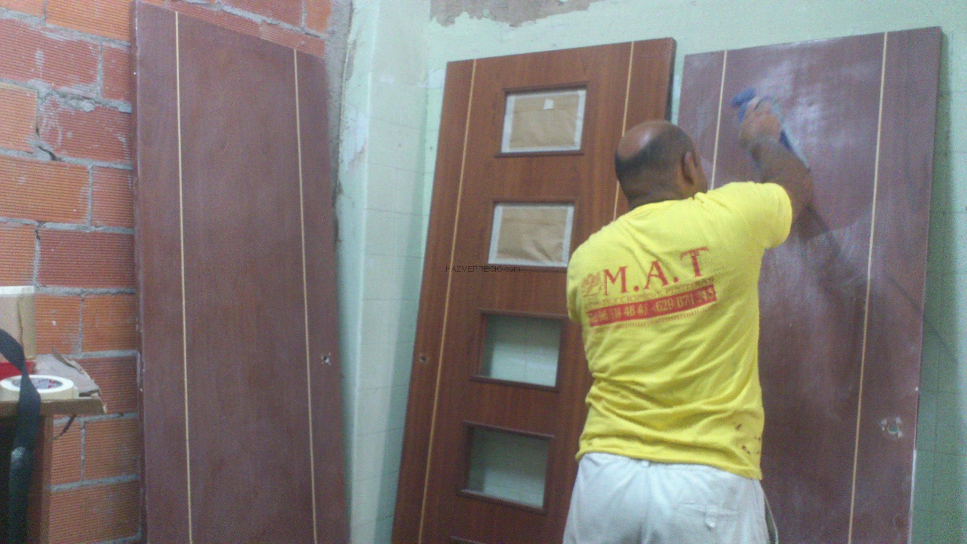 Miguel tomas pinturas reforma y construccion 46018 for Caseton puerta corredera precios