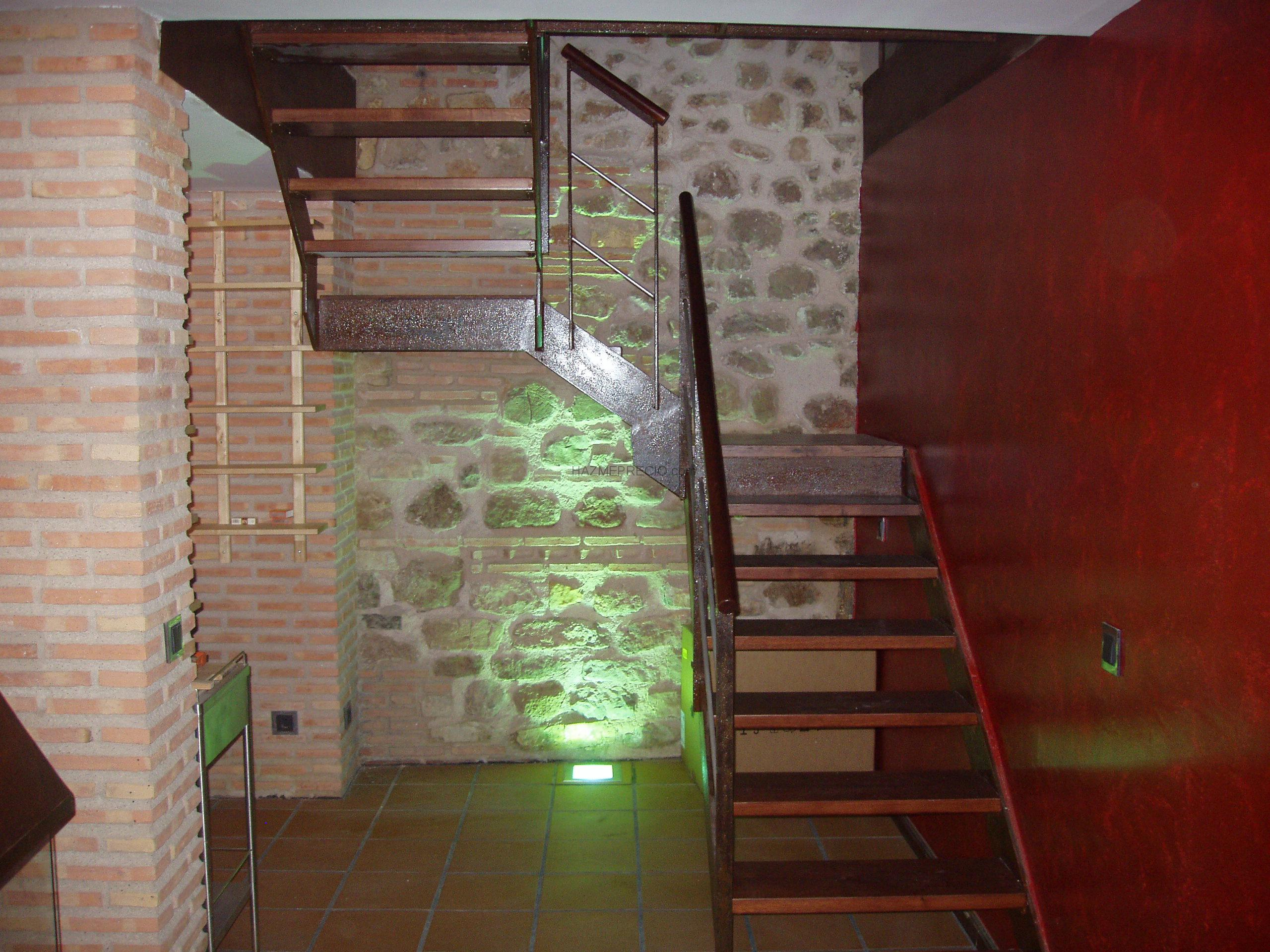 Reforma vivienda unifamiliar rustica guadalajara - Escaleras de ladrillo ...