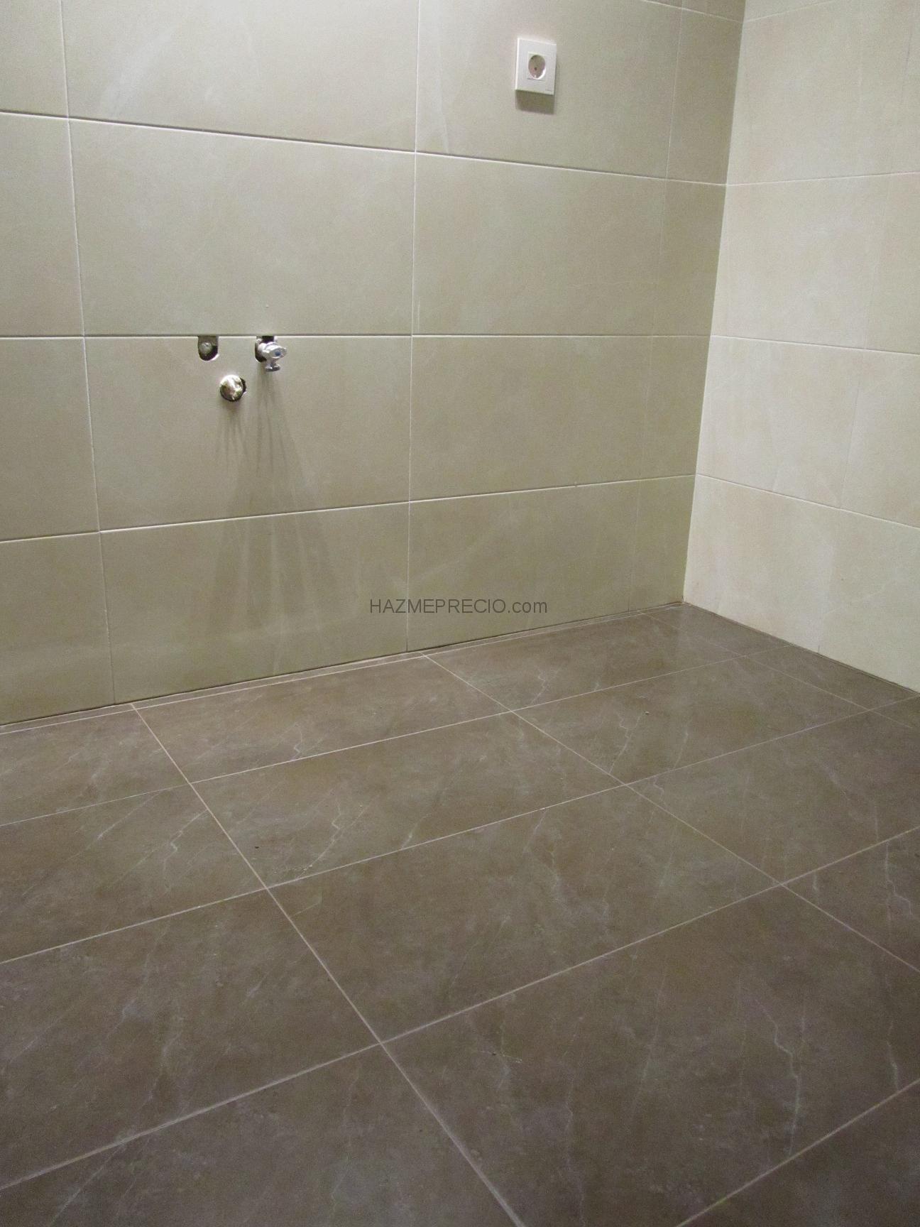 Quitar Baldosas Baño:Reforma baño completo en Valencia:Resultado final a la espera de
