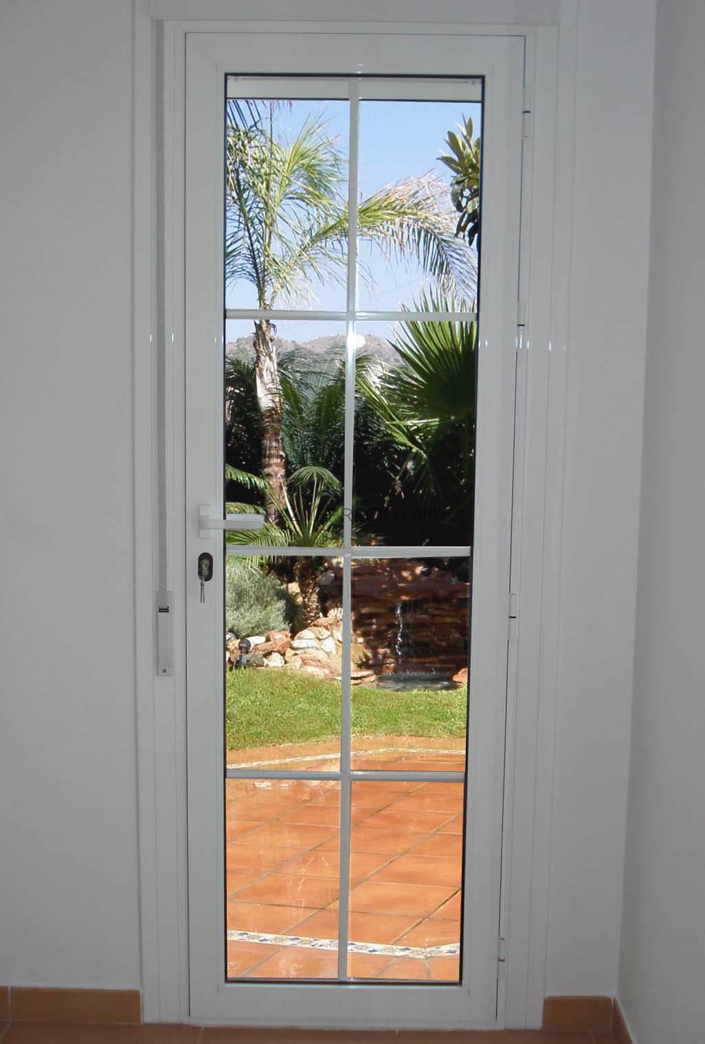 Puertas De Aluminio Para Baño Exterior:Puerta Para Baño En Aluminio ...