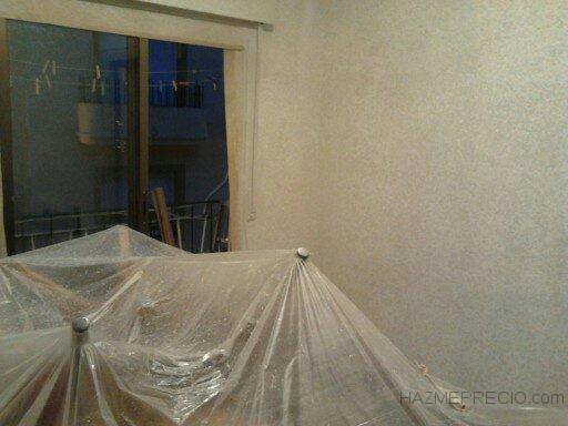 tapado completo muebles y suelo en habitacion