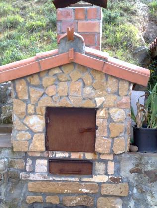 Hornos , barbacoas, cocinas económicas ....( horno construido en El Haya , Cantabria )