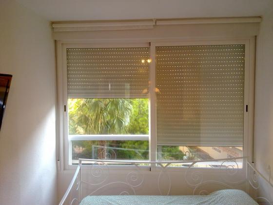 Colocación de Ventanas de aluminio para cerrar balcón