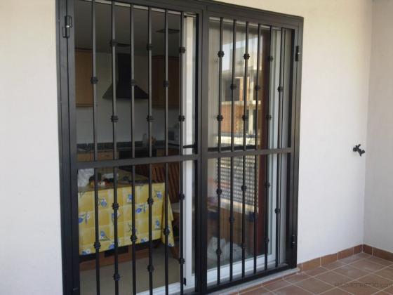 Carpinteria metalica bonmetal c b 46560 massalfassar for Mosquiteras puertas abatibles terraza