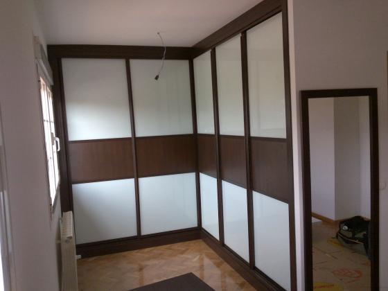 Armack 28342 valdemoro madrid for Armario puertas correderas wengue