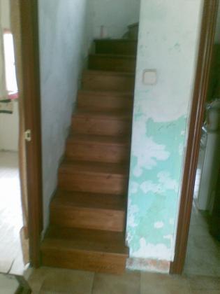Escalera empotrada