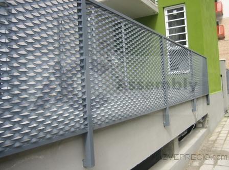 1 assembly cerramientosmetalicoscomunidadesvecinos.jpg