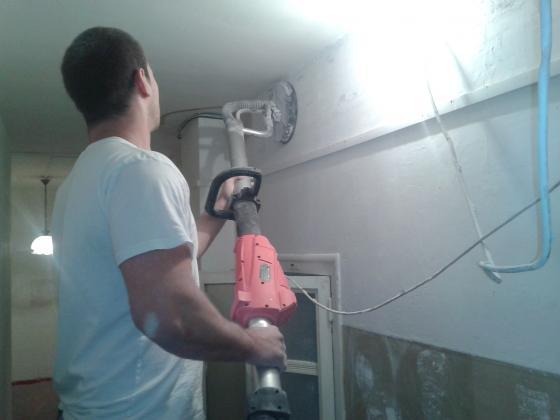 ailisar los paredes con lijadora profesional