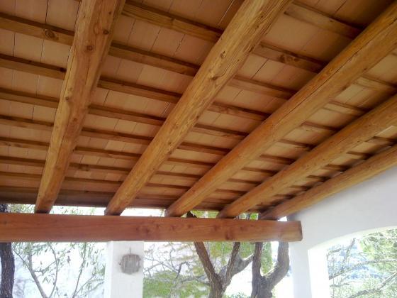 tejados con vigas de madera y tochos