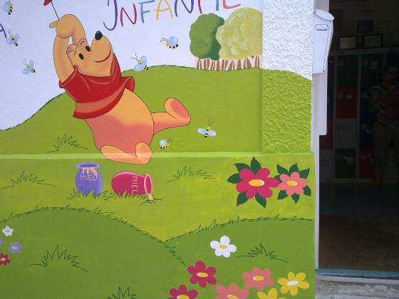 rehabilitación y pintar la fachada de una guardería en Torrejon de Ardoz