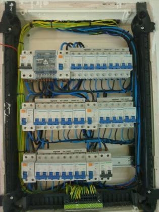Reformas y electricidad velec 28032 madrid madrid - Cuadro electrico vivienda ...