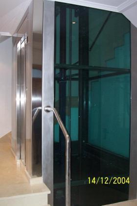 Adecuación de ascensor a hueco de escaleras