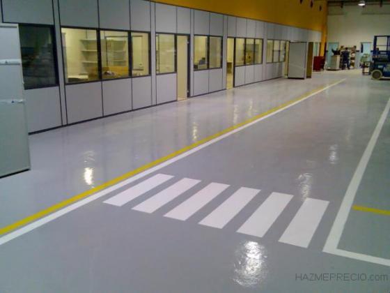 Señalizaciones horizontales y verticales con pintura de poliuretano, con propiedades fotoluminiscentes.