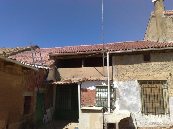 Tejados completos , cualquier clase de teja , estructuras de madera , hormigón , uralita , Onduline ...