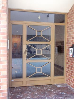 4 assembly puertasportalhierroinox.jpg