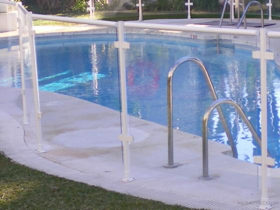 Tm3 14500 puente genil cordoba for Vallas seguridad piscinas