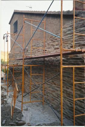 Casa forrada de piedra natural