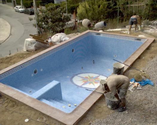 piscina en senmenat construccion