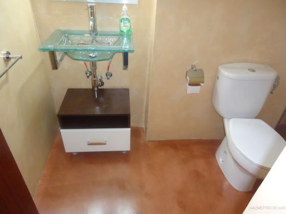 fotos suelos y paredes de microcemento en baño