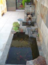 fuente con recirculación de agua