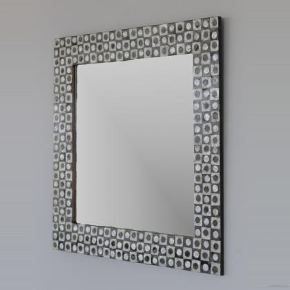 Espejo decorativo en conchas marinas y resinas , 80x80 precio 80€
