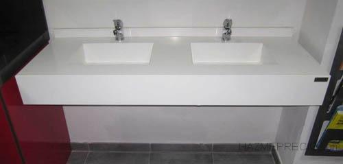 Encimera de bano de compac absolut blanc con dos lavabos ingletado del mismo material 2