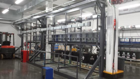 Estructura para soportación de baterias y cargadores.