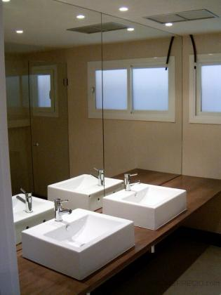 Baño, dormitorio principal.