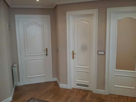 Como lacar puertas barnizadas materiales para la for Pintar puertas de blanco en casa