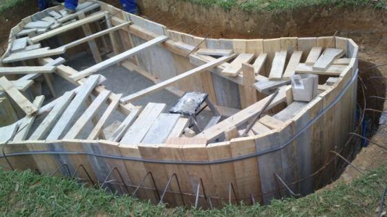 Construyendo estanque para peces y plantas acuáticas Amorebieta Feinco SL