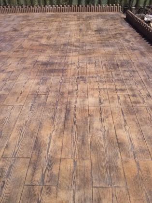Hormigon impreso imitacion madera precio materiales de - Hormigon decorativo para suelos ...