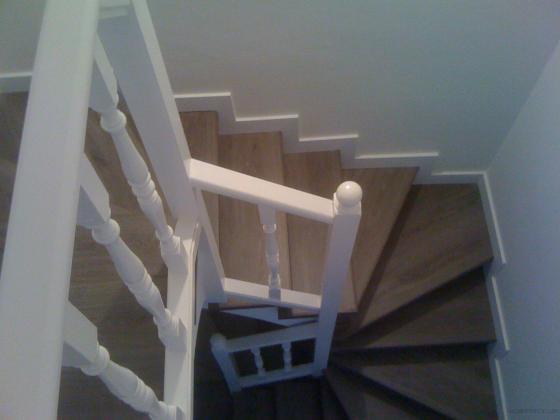 escalera y parquet