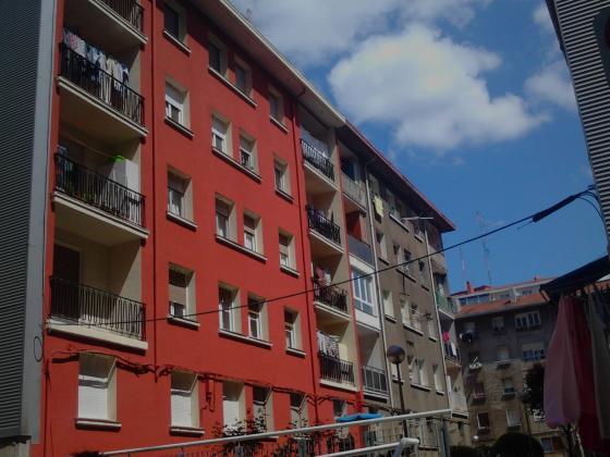 Rehabilitación y pintura en fachada