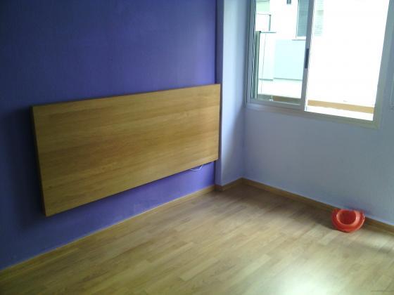 tarima flotante y pintura plastica pared