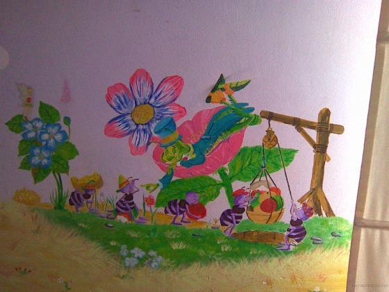 """mural de la fabula """"la cigarra y la hormiga"""" pintada en habitación infantil"""