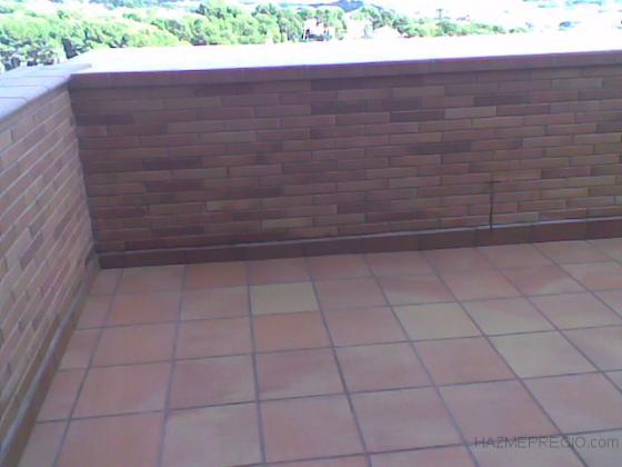 Solado de Terraza con Pavimento de Gres Catalan