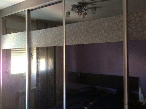 armario empotrado puertas correderas en cristal y vinilo